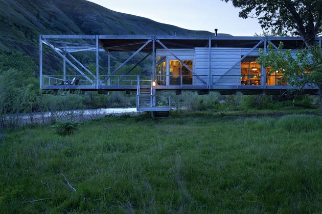 Дом из металлокаркаса - вид сбоку