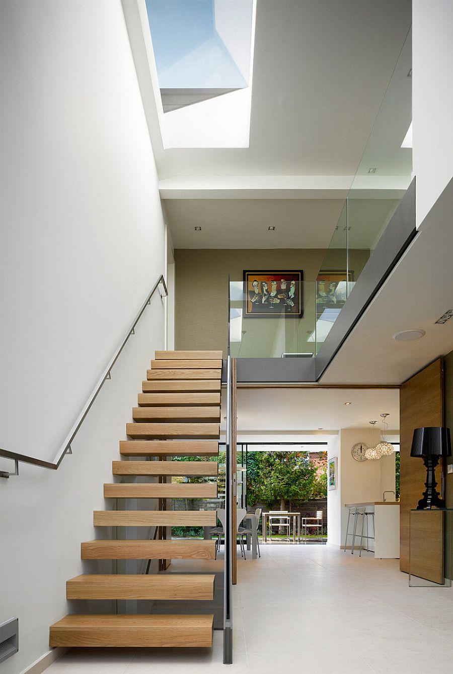 фото загородного дома - лестница