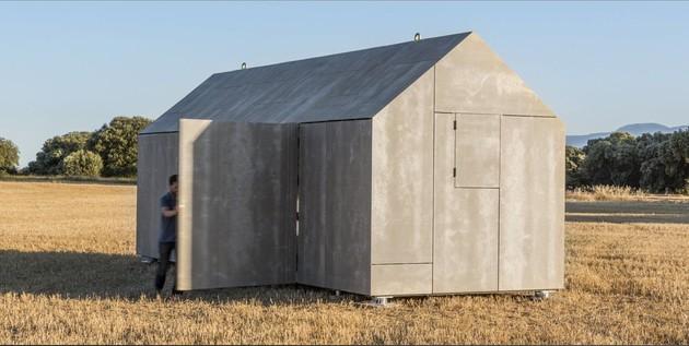 сборный домик по доступной цене с открытыми створками