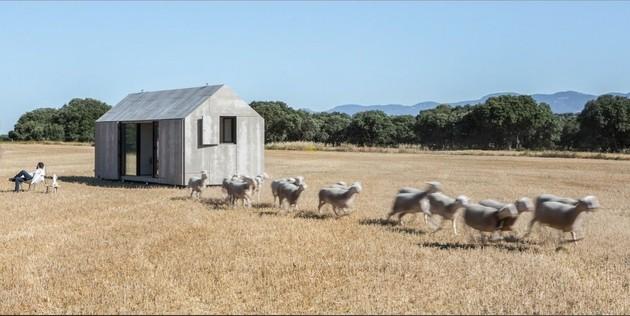 сборный дом по доступной цене -стадо-с-person.jpg