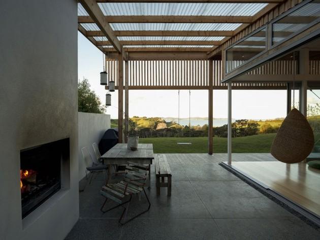 открытая гостиная загородного дома