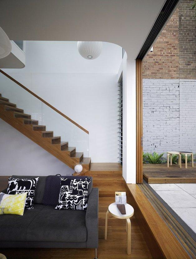 лестница в собственном загородном доме
