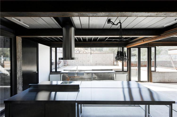 дом из металла фото кухни
