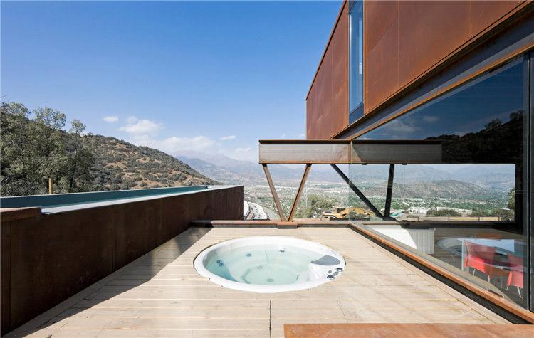 дом из металла фото бассейна
