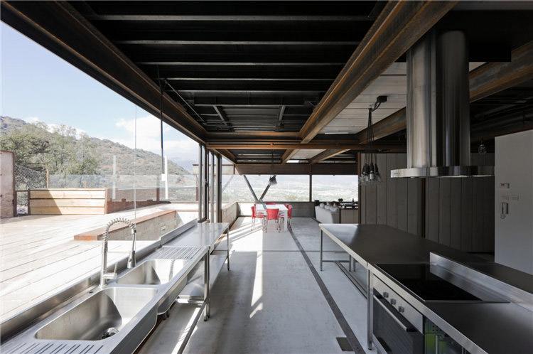 дом из металла - кухня