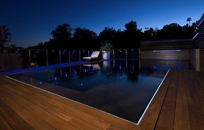 Роскошный особняк холостяка бассейн на крыше