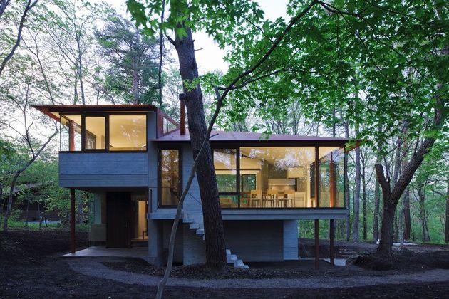 фото особняка с разноуровневыми потолками