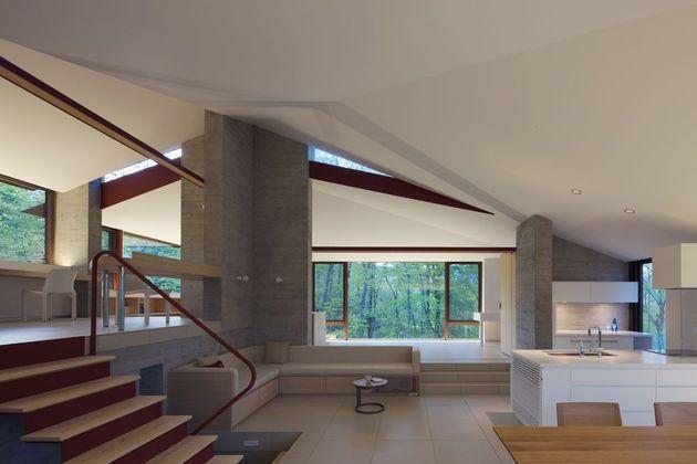 фото особняка с разноуровневыми потолками 8