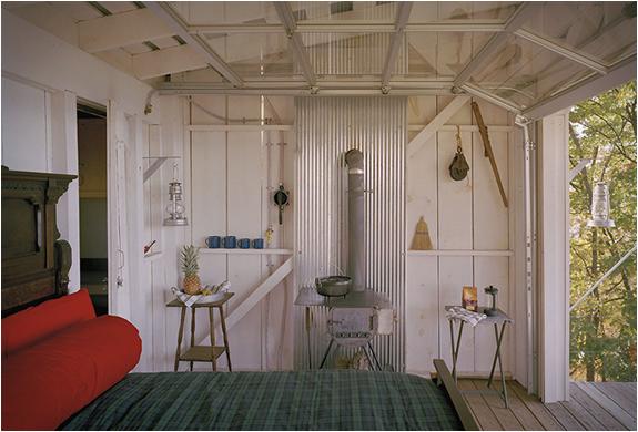 Дачный дом на опорах - спальня