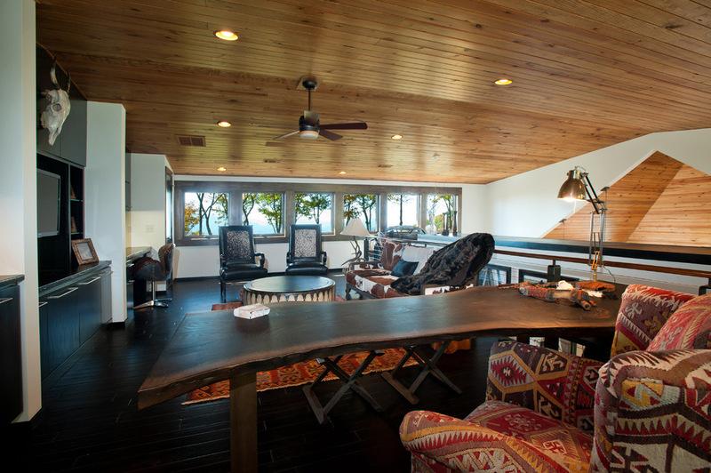 Двухэтажный домик - домашний офис