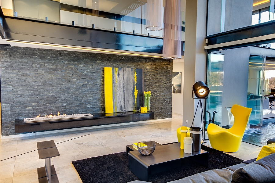 Плоский, современный камин - Проект резиденции House Ber