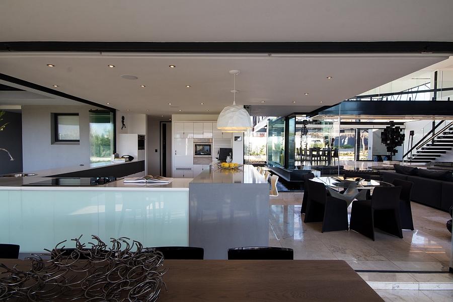 Просторная столовая и кухня - Проект резиденции House Ber