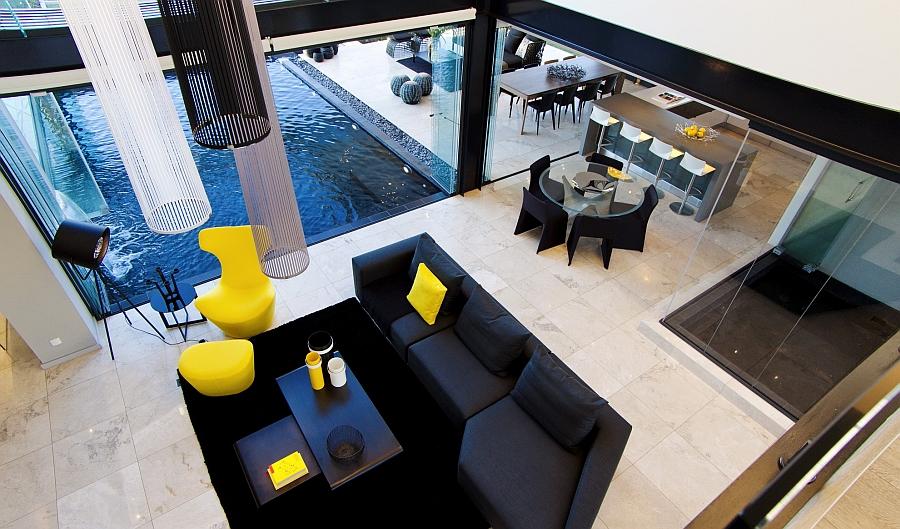 Удивительные осветительные установки пропорциональны размеру просторной комнате