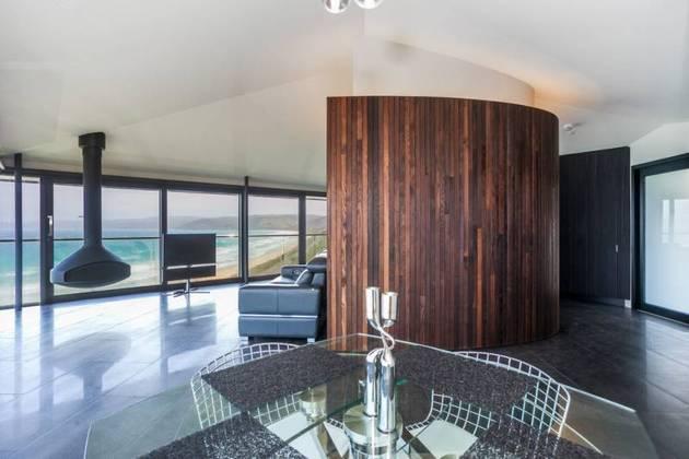 Частный дом с панорамным остеклением - фото 7