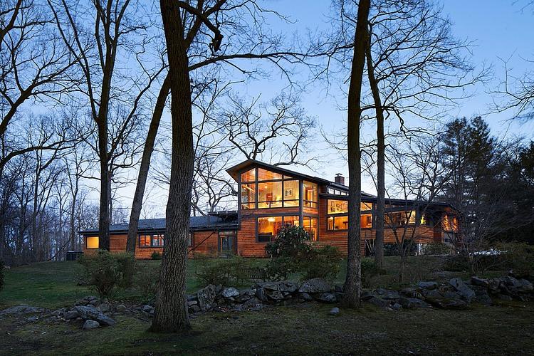 Деревянный дом в стиле Ранчо