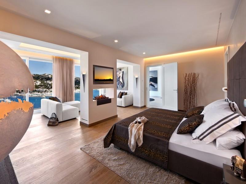 Спальня в стиле сафари в испанской вилле