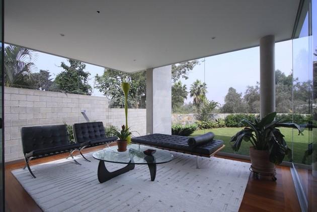 Железобетонный дом - фото гостиной