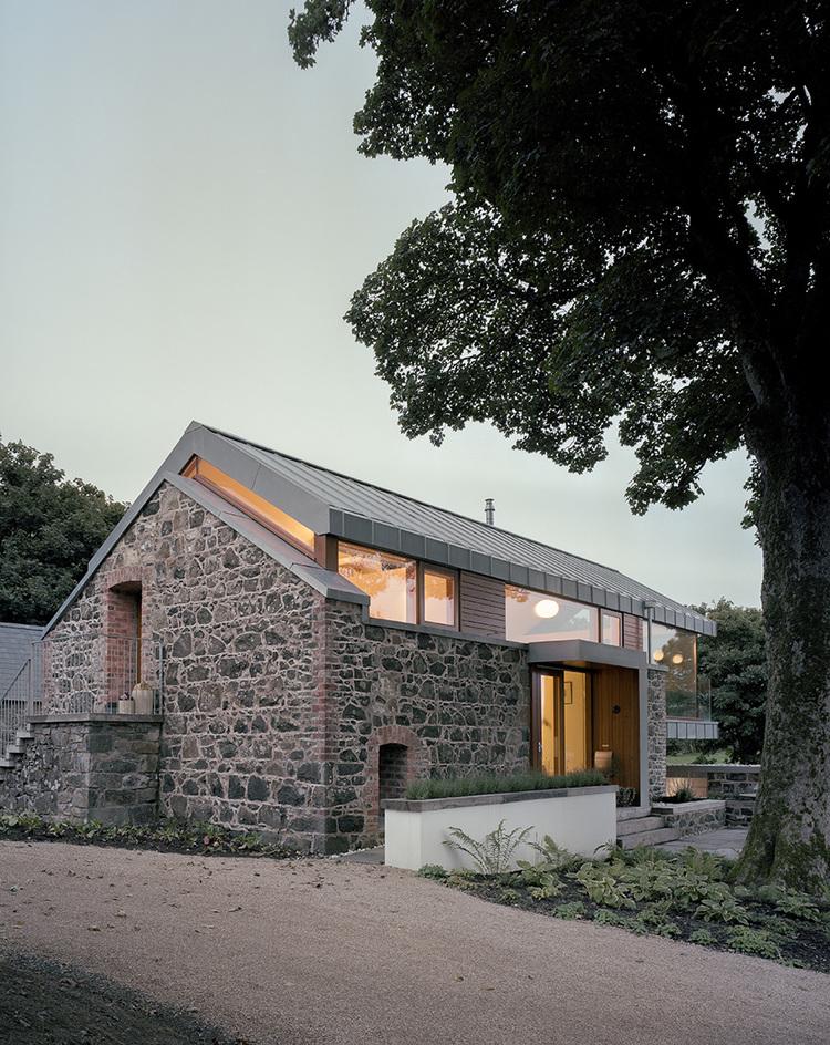 Экстерьер дома после реконструкции