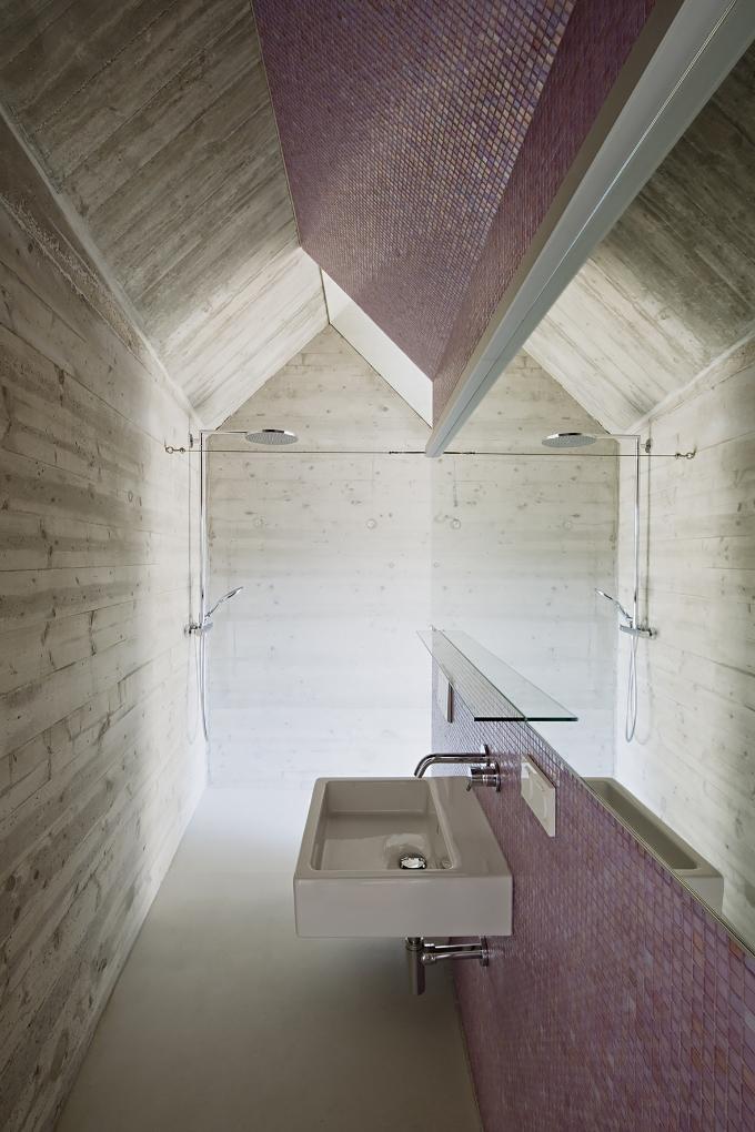 Дом на узком участке - ванная