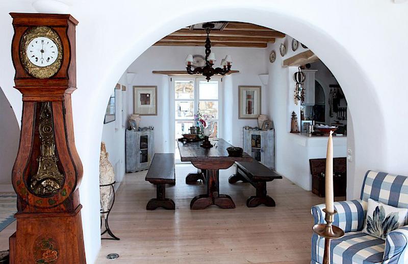 Интерьер дома в греческом стиле