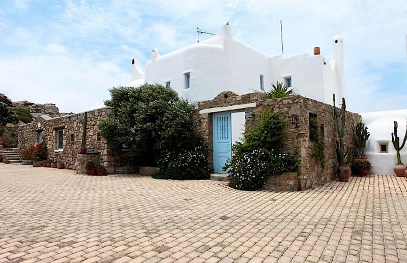 Экстерьер дома в греческом стиле