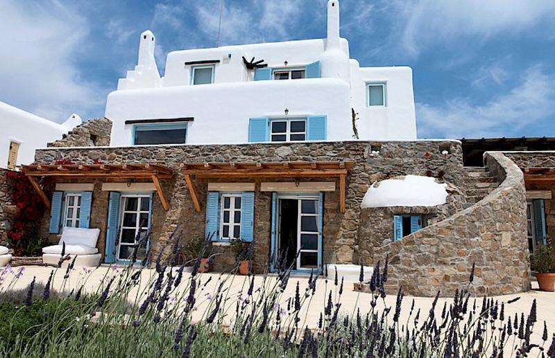 Дом в греческом стиле Villa Naira