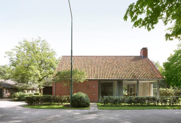 Загородный дом из кирпича - крыша