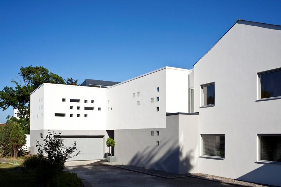 Красивый дом с четырьмя спальнями (1)