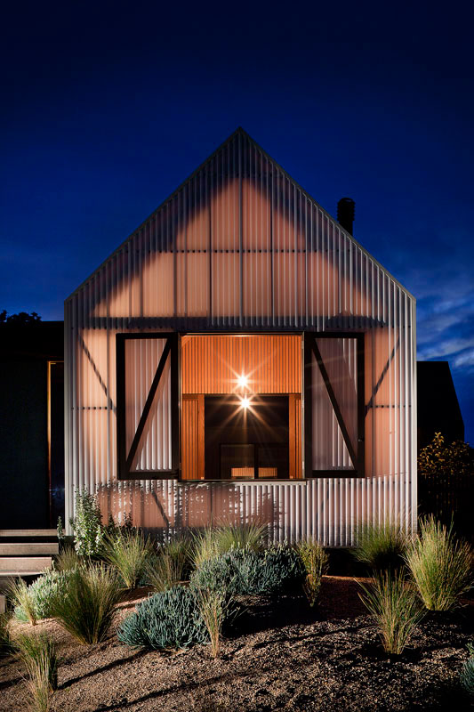 modern-beach-house-jcba7