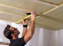 как заделать дырку в потолке
